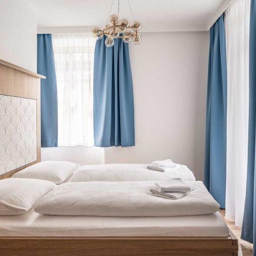 Villa Flöckner Salzburg - Hotel Dreibett Zimmer