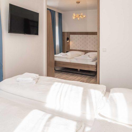 Villa Flöckner Salzburg - Hotel Vierbettzimmer Doppelbetten